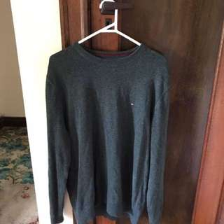Tommy Hilfiger Sweater.