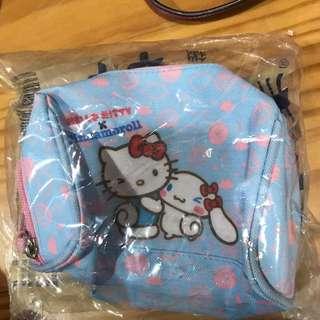 Hello kitty化妝包 #兩百元彩妝出清