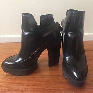 Zara Leather Ankle Boots Black