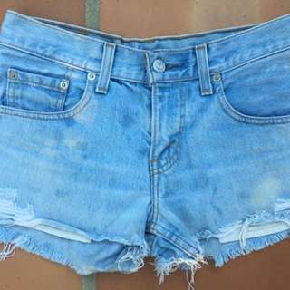 Levi 450 Blue Denim Cut Off Shorts - Sz 27