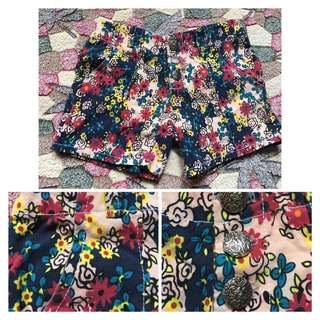Stretchable Floral Shorts