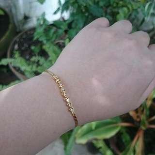 18K Gold Hearts Bracelet LAYAWAY OK 3.3Gappx. 8 Diamond chips 7 inches