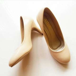 sepatu alive heels