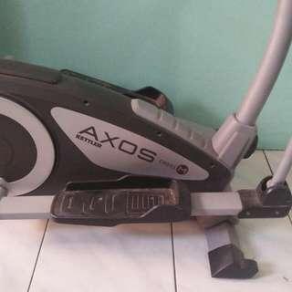 Gym-type Elliptical Exercise Machine