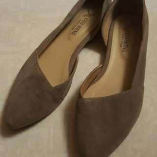 灰色尖頭氣質平底鞋