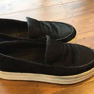 Countryroad Loafers