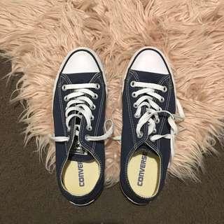 navy blue converse