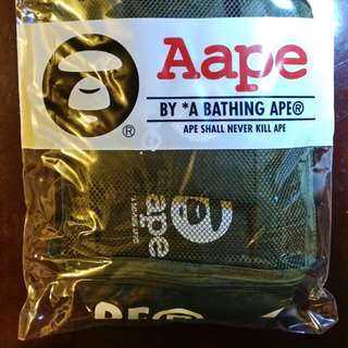 全新 100%real Aape 旅行收納袋 travel bag 墨綠色