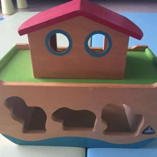 Wooden Shape Sorter- The Arch With Animal