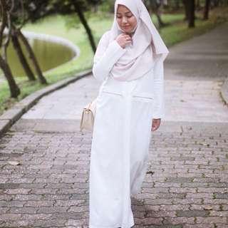 Faatima & Co. White Jada Gold Zipper Dress Jubah