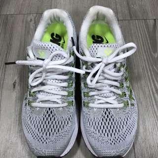 NIKE ZOOM PEGASUS 32慢跑鞋