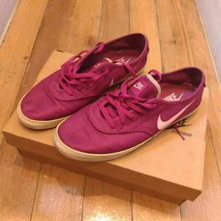 Authentic Nike Starlet Saddle Canvas