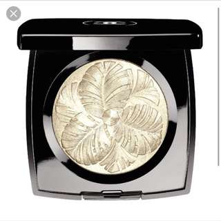Authentic Chanel Camelia De Plumes Highlighting Powder