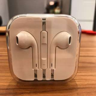 Brand New Apple Earpods