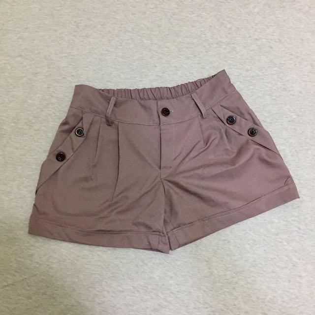 藕粉色氣質西裝料短褲