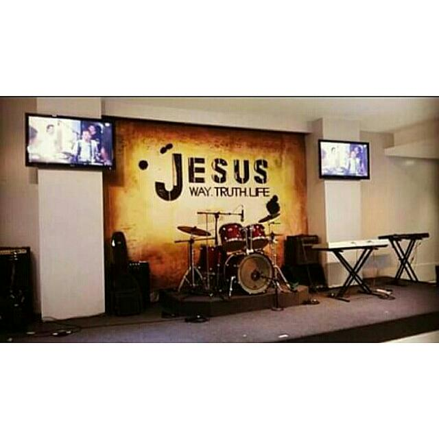√ Backdrop, Stage Design, Wall Paint & Intallations, Invitations