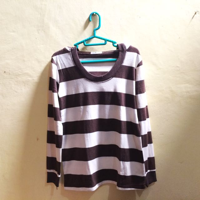 Baju Kaos Sweater Stripes
