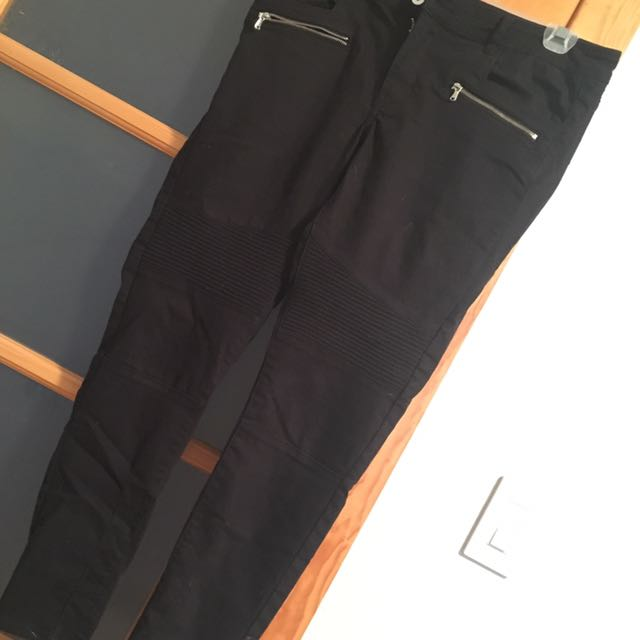 Divided Black Jeans With Ribbed Jeans