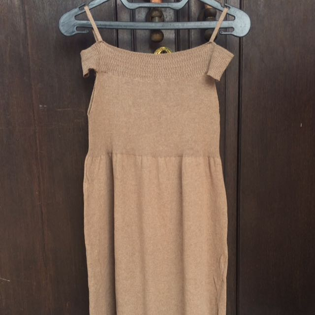 dress cut shoulder