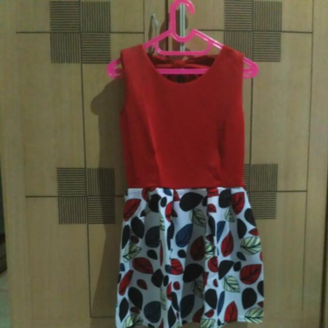 Dress Red Leaf