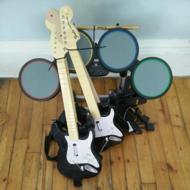 Guitar Hero / Rockband set + all games!