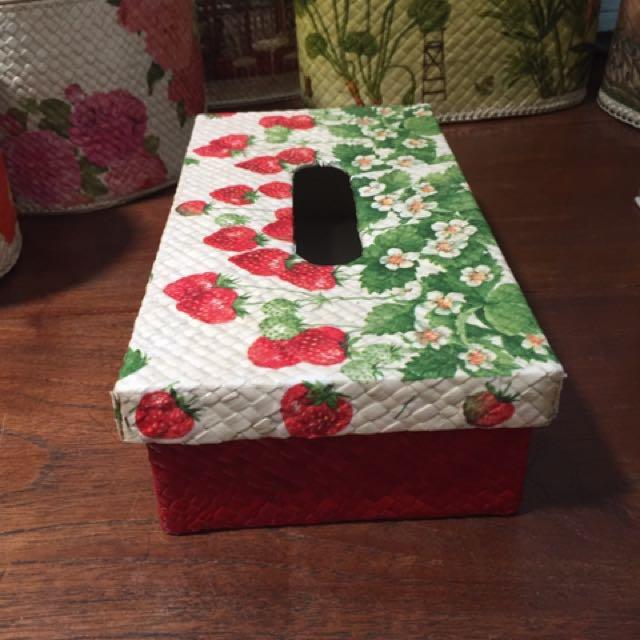 Kotak Tissue Decoupage