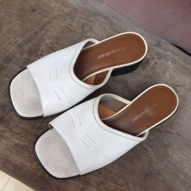 Repriced! Naturalizer Slip on Wear
