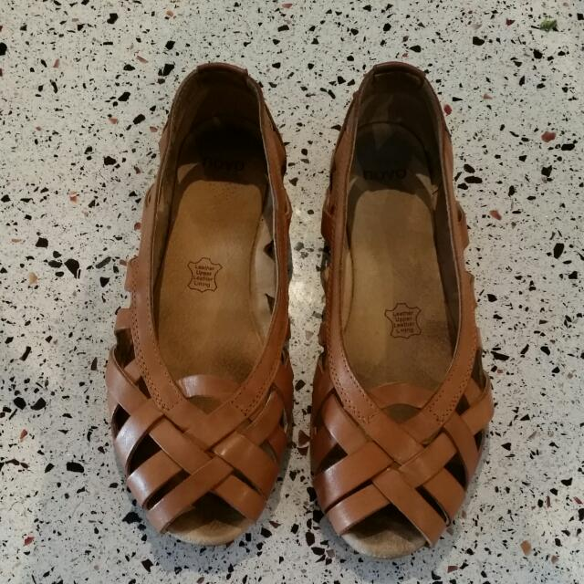 Novo Leather Ballet Flats Size 8