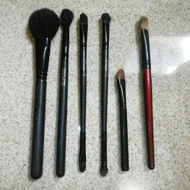 Oriflame Brush