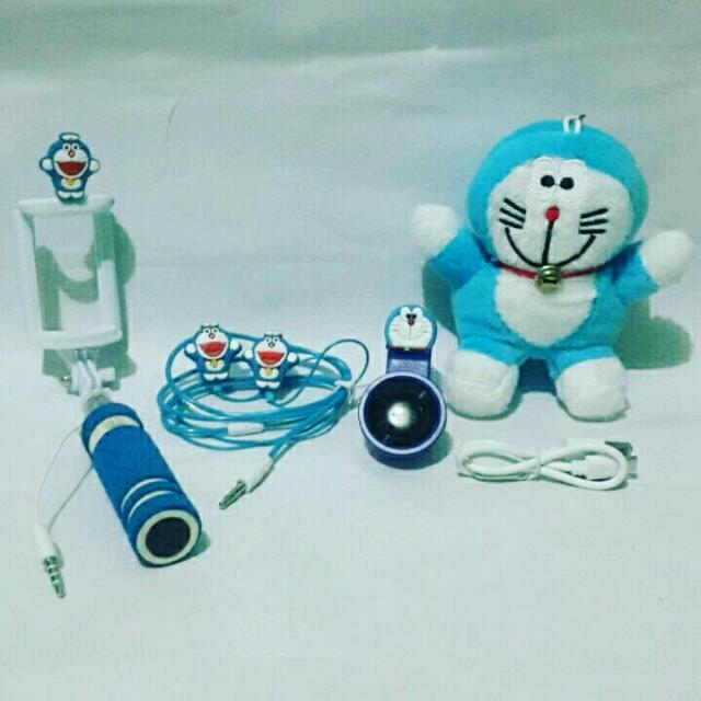 PAKET SELFIE SPECIAL DORAEMON 4IN ( POWERBANK + HEADSET + SUPERWIDE + TONGSIS ), Mobile Phones & Tablets, Mobile & Tablet Accessories on Carousell