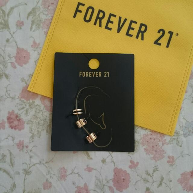 SALE Brand New FOREVER 21 Gold Earrings / JEWELRY / EAR CLASP / ACCESSORY