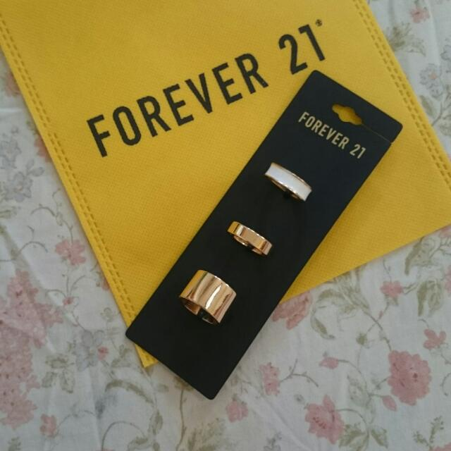 SALE Brand New FOREVER 21 Gold Rings (3 pieces) Size 8