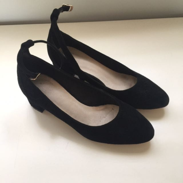 Seed Shoes Size 36