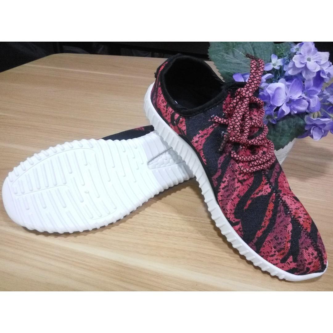 Sneakers Pria Import Korea - Wine