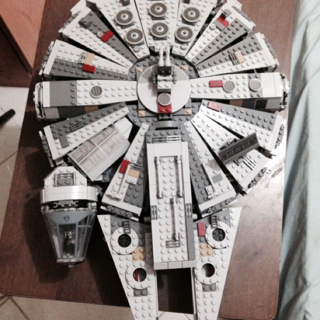 Star Wars The Force Awakens Millenium Falcon