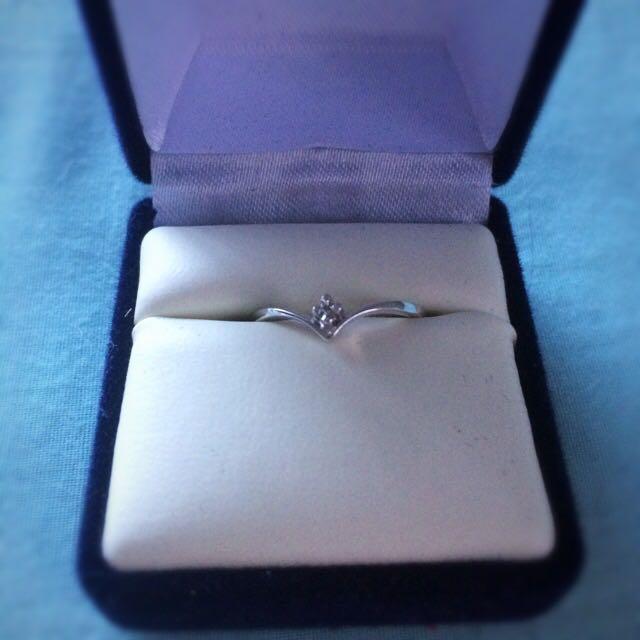 Thomas Jewellers Wishbone Ring