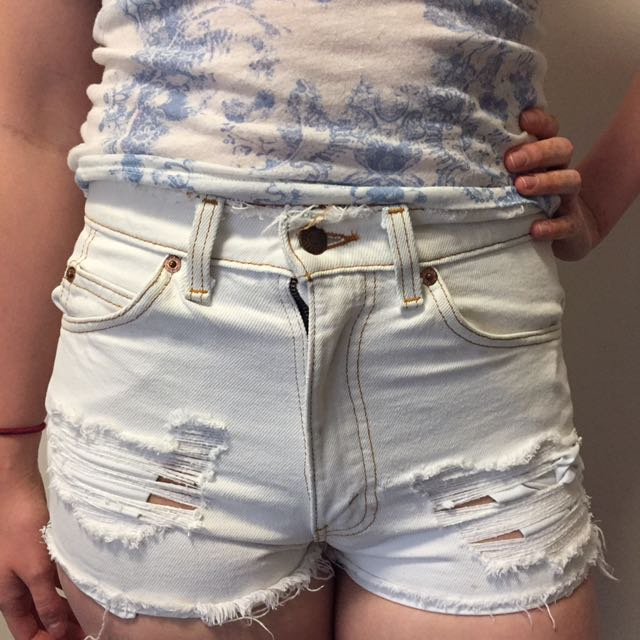 UO White Levis Shorts