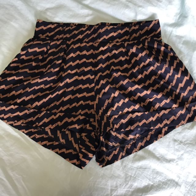 Valley girl Will Shorts Size 8