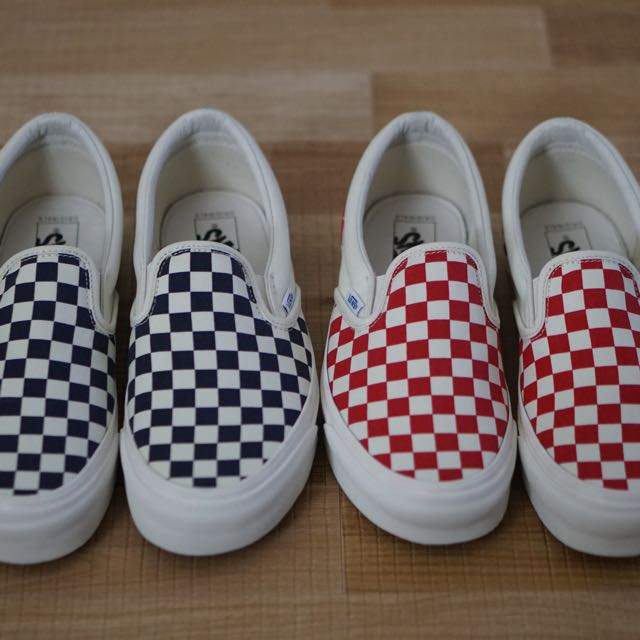vans vault og classic slip on checkerboard white navy