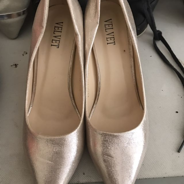 Velvet 1.5inches Gold Shoes