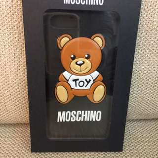 Moschino正版浮雕手機保護殼I7+