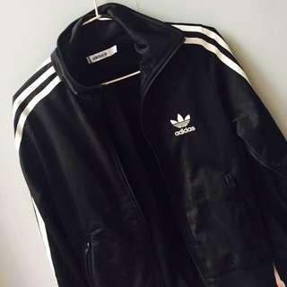 Adidas經典款// 經典三葉草黑白款。34號