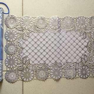 Taplak Meja Cantik Brokat Putih 25x50cm