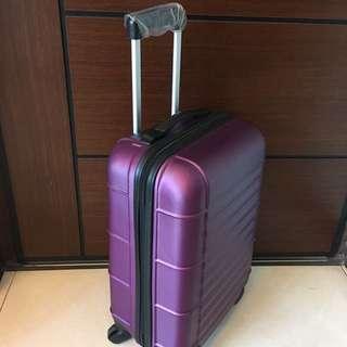 全新-19吋行李箱