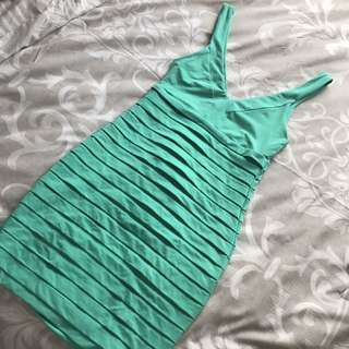 "KOOKAI ""Jiving dress"" in Green (size 1)"