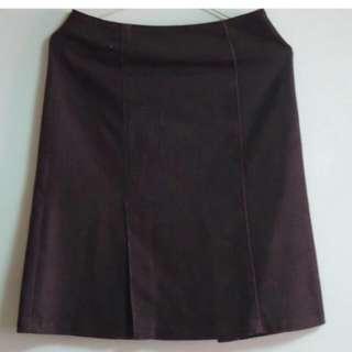 萊卡及膝裙
