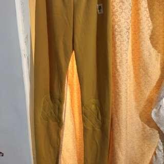 🚚 黃色刷毛內搭褲 二手