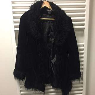 Black fluffy and velvet vintage coat size M