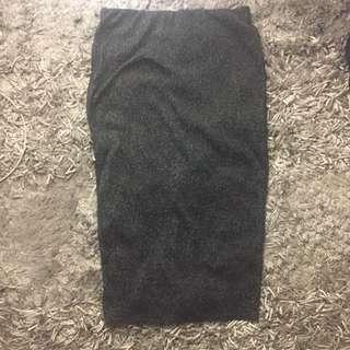 BNWT stretchy pencil skirt