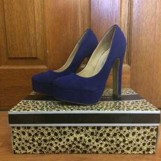 Court Couture Size 6 Heels